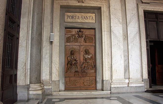San-Giovanni-Porta-Santa (1)